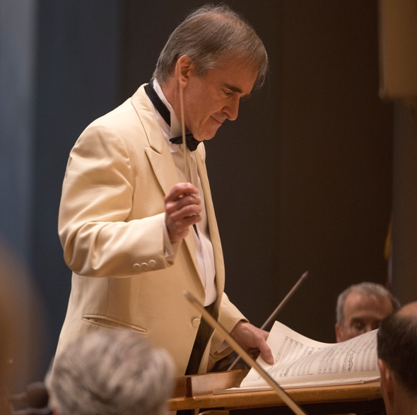 As part of his farewell Ravinia Festival season, James Conlon revisited his 1977 Mozart and Mahler debut concert at the Ravinia Festival on July 22. (Patrick Gipson)